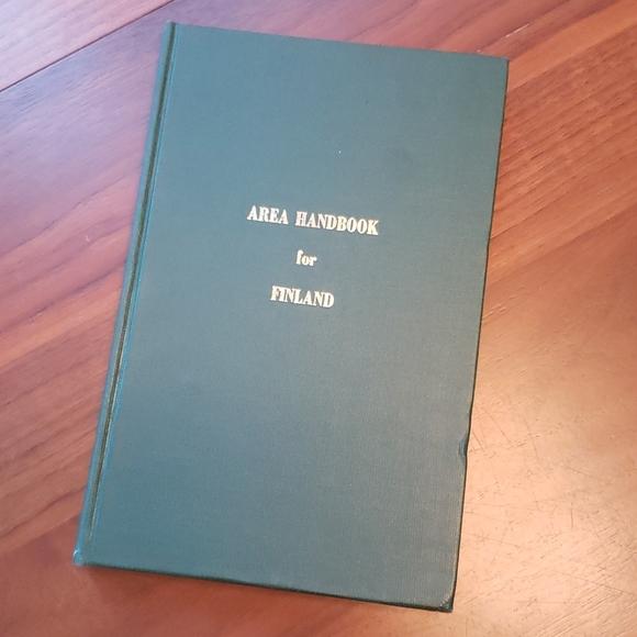 """Vintage """"Area Handbook For Finland"""" 1974"""